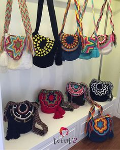 Keep your bags on!💥💃🏼👜👝💞🎉💛💙💚❤️ Large uni color closed bucket bag new arrival 💯% original import from Colombia พร้อมส่งคะ Tapestry Bag, Tapestry Crochet, Knit Crochet, Hippie Bags, Boho Bags, Crochet Handbags, Crochet Purses, Bucket Bag, Ethnic Bag