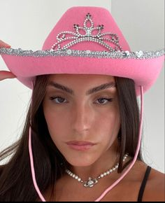 Sombrero Cowboy, Pink Cowboy Hat, Cowboy Hats, Cowgirl Halloween Costume, Halloween Outfits, Deer Costume, Couple Halloween, Cowgirl Party, Costume Ideas