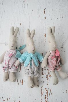 Little teddy dolls Sewing Toys, Sewing Crafts, Sewing Projects, Softies, Easter Crafts, Crafts For Kids, Maileg Bunny, Hunny Bunny, Foto Baby