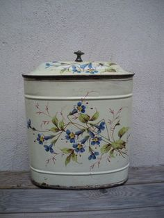 omg, 1920s enamelware two piece hanging fountain top!!!   from France
