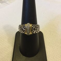 NWOT CZ Stainless Steel ring size 8 Beautiful..CZ. CHIPS DOWN THE FRONT FRAMED IN GOLDTONE..SIZE 8 Lux Jewelry Rings