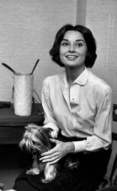Audrey Hepburn-1958-The Nun's Story- De Timeless Audrey Hepburn