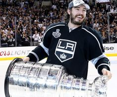 Best Hockey player Drew Doughty and his trophy wallpapers and Drew Doughty Wallpapers Wallpapers) Hockey Baby, Hockey Teams, Hockey Players, Ice Hockey, Sports Teams, Nhl Shop, La Kings Hockey, King Cup, Man Crush Everyday