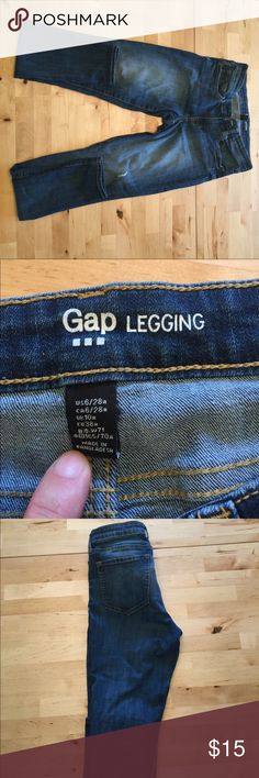 Gap legging jean EUC Gap legging jean size 6. Intentional rip/wear on thigh. GAP Jeans Skinny