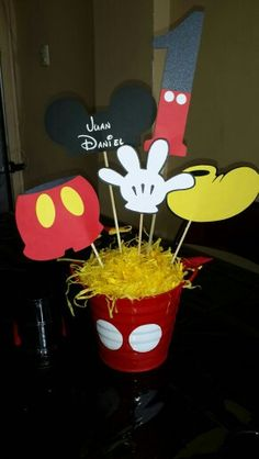 Baby Shower Centerpieces For Boys Diy Mickey Mouse 22 Ideas Mickie Mouse Party, Mickey Mouse Clubhouse Party, Mickey Mouse Parties, Mickey Party, Mickey Mouse Crafts, Fiesta Mickey Mouse, Mickey Minnie Mouse, Mickey 1st Birthdays, Mickey Mouse First Birthday
