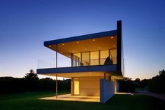 Ocean Guest House in Bridgehampton by Stelle Architects