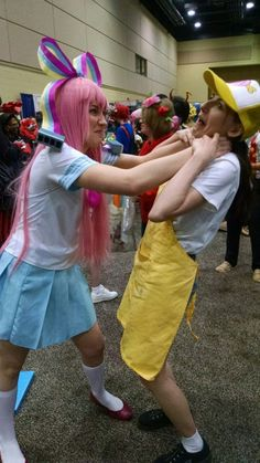 gravity falls Giffany cosplay with Mel Epic Cosplay, Amazing Cosplay, Cosplay Ideas, Costume Ideas, Gravity Falls Cosplay, Gravity Falls Costumes, Halloween Cosplay, Cosplay Costumes, Dipper Y Mabel
