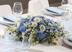 Rund borddekorasjon i blått. Hygge, Table Decorations, Furniture, Home Decor, Naturaleza, Decoration Home, Room Decor, Home Furnishings, Home Interior Design