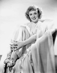 Alice Faye, unusually styled