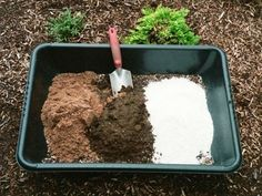 Homemade potting soil for succulents. Succulents require well-draining soil that allows air to circulate around the roots. Without these qualities, succulents are prone to rot, which often. Potting Soil For Succulents, Succulent Gardening, Cacti And Succulents, Planting Succulents, Container Gardening, Organic Gardening, Gardening Tips, Planting Flowers, Succulent Containers