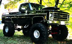 Old lifted Chevy truck. Who says girls can't love trucks? This is almost exactly like my older bro's truck. Jacked Up Chevy, Lifted Chevy Trucks, Jeep Truck, Chevrolet Trucks, Cool Trucks, Pickup Trucks, Chevy 4x4, Chevrolet Silverado, Chevy Stepside