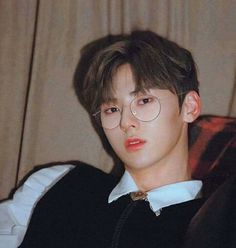 I know I should have met you anyway for many reasons. It's like taking back the road I was always supposed to go. Nu Est Minhyun, Nu'est Jr, Korean Fashion Men, Flower Boys, Kpop Fanart, Pledis Entertainment, Seong, Mingyu, Busan