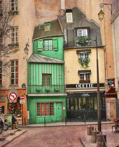 Ancient street in the Sorbonne district of Paris