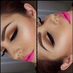 black eyeliner, brown eyeshadow, pink lipstick