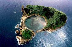 La fascinante isla de Vila Franca do Campo, en Portugal | La Reserva