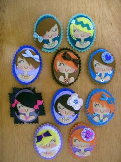 Muac! Felt Crafts, Diy And Crafts, Diy Fashion Accessories, Felt Brooch, Polymer Clay Projects, Handmade Beads, Felt Dolls, Felt Ornaments, Felt Art