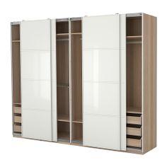 Elegant PAX Kleiderschrank mit Einrichtung IKEA