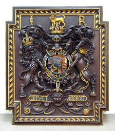 Armorial panel Date: ca. 1610 Culture: British Medium: Oak, painted and gilded