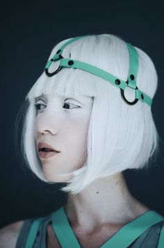 Light makeup mask and Head harness Headdress, Headpiece, Ocean Wave, Foto Fashion, Head Accessories, White Hair, Makeup Inspiration, Character Inspiration, Leather And Lace