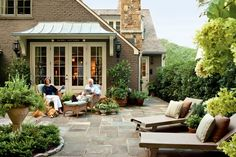 Why the Oudoor Living Room is Every Southerner's Favorite Space - Southernliving. In search of a little more elbow room? Look outside the home to create more livable space. The outdoor room is the epitome of a low-cost living space extension—without the effort and expense of a full-blown renovation or home addition. This is especially true in the South, where the outdoors can be enjoyed for much of the year. Turning your eye outside—whether it be to a patio, a porch, a side yard, or a…