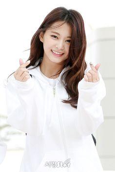 #TWICE #TZUYU #KCON2018JAPAN Kpop Girl Groups, Korean Girl Groups, Kpop Girls, Beautiful Girl Image, Most Beautiful Women, Nayeon, Tzuyu And Sana, Snsd, Jihyo Twice