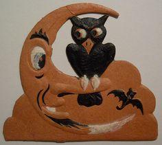 Vintage German Halloween Diecut Owl on Moon Halloween Wall Decor, Halloween Owl, Halloween Lanterns, Vintage Halloween Decorations, Halloween Displays, Halloween 2018, Wall Decorations, Halloween Pictures, Vintage Holiday