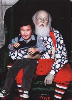 And finally, this Santa who clearly died weeks before this photo was taken: 21 Insanely Creepy Santa Claus Photos That May Ruin Your Christmas Funny Christmas Pictures, Xmas Photos, Santa Pictures, Funny Pictures, Creepy Pictures, Christmas Pics, Father Christmas, Family Photos, Creepy Clown