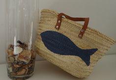 Panier de plage en paille customisé tendance