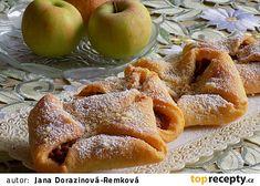 Sladké šátečky plněné dušenými jablky Desert Recipes, Apple Pie, Waffles, French Toast, Deserts, Treats, Chicken, Breakfast, Sweet