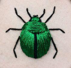 Stumpwork fascinates me. Stumpwork beetle (green june bug - Cotinus nitida) inspired by the work of Jane Nicholas and Di van Niekerk. Crewel Embroidery, Ribbon Embroidery, Cross Stitch Embroidery, Embroidery Patterns, Embroidery Floss Crafts, Japanese Embroidery, Art Patterns, Embroidery Needles, Diy Broderie