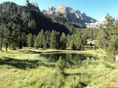 Ibonet de Batisielles, e ao fundo o Tuca de Ixea. Pirineus espanhóis.  Fotografia: Jesule - Pirineos3000.