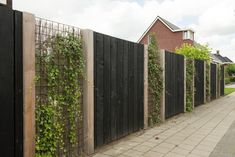 Tuinafscheiding Helmert Douglas schutting is part of Garden nook - Diy Fence, Backyard Fences, Garden Fencing, Backyard Landscaping, Fence Ideas, Backyard Ideas, Indoor Garden, Home And Garden, Garden Nook