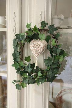 Simple wreath but oh so pretty