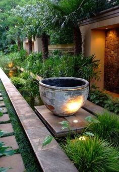 garden lighting, this is so pretty!