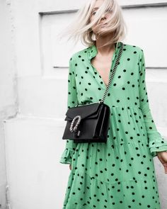 Sheinstreet Fashion Stylish Spring And Summer Fashion V Collar Dot Flouncing Green Maxi Dress Night Outfits, Casual Outfits, Retro Fashion, Womens Fashion, Maxis, Elegant Outfit, Fashion Tips, Fashion Design, Fashion Bloggers