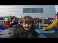Une aire de jeux pour booster l'attractivité d'un centre commercial... #InfoWebTourisme Centre Commercial, Playground, Tourism