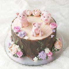 Pretty Cakes, Cute Cakes, Beautiful Cakes, Amazing Cakes, Piggy Cake, Piggy Cupcakes, Pig Birthday Cakes, Zoo Birthday, Birthday Ideas