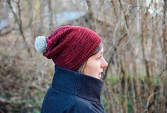 Merry Berry pattern by Veera Välimäki. Nice slouchy hat in a sock-weight yarn. Free pattern.