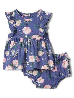 Floral ruffle top & bloomers. Put the top with some white/cream leggings or dark wash/light wash jeans