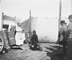 1915 - Une messe à la 43e batterie du 29e régiment d'artillerie entre Oostduinkerke et Nieuport.
