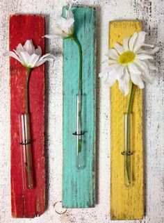 Thinking of how easy these Test Tube Bud Vases would be to make. Great for gifts, I want one for my front door... ~~ Houston Foodlovers Book Club