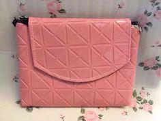【现货】泰国热卖包包-RM20 Size 32x16x4cm Strap Drop 100cm