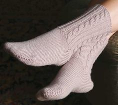 Cabled socks are yummy in Cashmere