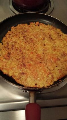 Apple and carrot pancake one egg  stevia and cinnamon mixed in