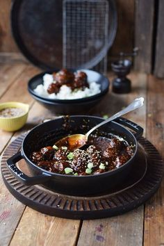 Sesam Teriyaki Fleischbaellchen - Sesame Teriyaki Meatballs - New Ideas Pork Stew Meat, Stew Meat Recipes, Meat Recipes For Dinner, Easy Meat Recipes, Meatball Recipes, Yummy Recipes, Meatball Subs, Japan Sushi, Teriyaki Meatballs
