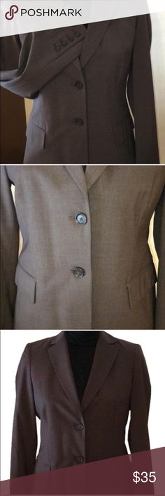 Banana Republic Jacket Beautiful Banana Republic 2 button suit jacket with two outer pockets, and an inside pocket. Made of 95% wool/5% lycra and fully lined. Classic heathered brown color goes well with a black skirt as well as jeans. Banana Republic Jackets & Coats Blazers