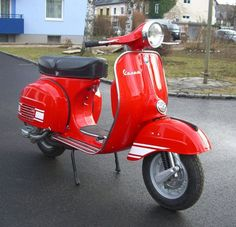 """Driving a Vespa is definitely a whole lot about style,"""" she explained. The Vespa was the very first globally prosperous scooter. A scooter is the finest and a Vespa most stylish means to go around the city. The foldable"""" scooter… Continue Reading → Retro Scooter, Best Scooter, Scooter Motorcycle, Piaggio Vespa, Lambretta Scooter, Vespa Scooters, Vespa 200, Red Vespa, Fiat 500"""