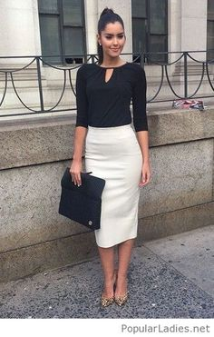 Cool black and white office look - Office Outfits Classy Shorts Outfits, Classy Work Outfits, Summer Work Outfits, Business Casual Outfits, Mode Outfits, Office Outfits, Chic Outfits, Business Attire, Simple Outfits