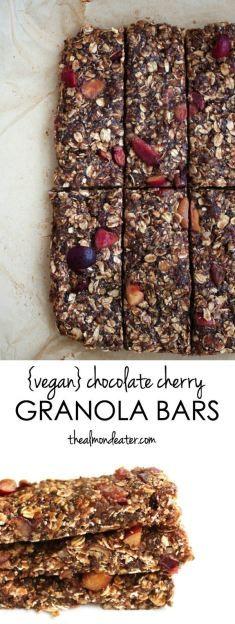 Vegan Chocolate Cherry Granola Bars | A delicious homemade granola bar that uses FRESH cherries! #vegan