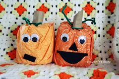 Preschool Crafts for Kids*: fall ( I looove the pumpkins, maybe without the faces though? ;) )